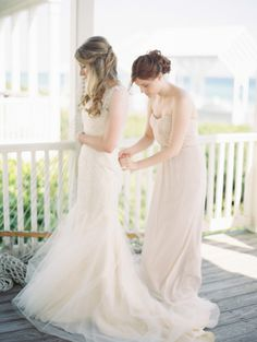 Elegant Beach Wedding in Seaside Florida: http://www.stylemepretty.com/2014/09/02/elegant-beach-wedding-in-seaside-florida/ | Photography: Lauren Kinsey - http://laurenkinsey.com/