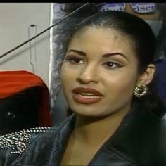 Selena performing in Fort Worth Texas 1994 she was so beautiful  #siempreselena #selenaquintanilla#selenaylosdinos#selenavive#selenavive2017#lacarcacha#comolaflor#amorprohibido#bailaestacumbia#elchicodelapartamento512#technocumbia#queenoftejano#queenofcumbia#Besitos#quecreias#lallamada#fashionqueen#90s#fotosyrecuerdos#selenaetc#ontheradio#bidibidibombom#Selenaperez#tejanomusic#selena#anythingforselenas#selenaforever#selenaquintanillaperez#Cocacola#syld