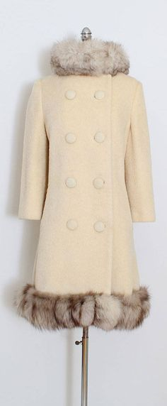➳ vintage 1960s coat * ivory wool * fox fur trimmed (can be removed) * satin lining * besom pockets * by Lilli Ann condition | excellent fits like m/l length 35 bust 40 shoulders 16 sleeves 20 waist 38 hips 46 some clothes may be clipped on dress form to show best fit for appropriate size. ➳ shop http://www.etsy.com/shop/millstreetvintage?ref=si_shop ➳ shop policies http://www.etsy.com/shop/millstreetvintage/policy twitter | MillS...