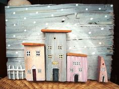 wooden houses - can do it with Painted pallet Clay Houses, Miniature Houses, Wooden Houses, Wooden Art, Wooden Crafts, Beach Crafts, Home Crafts, Deco Nature, Wood Scraps