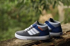 low priced 747fa f22ee nuevo Adidas NEO SKNEO Grinder Leisure hombres Carbon gris   Blanco   Royal  azul F38556 Adidas