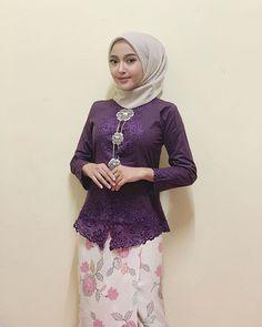 Beautiful Hijab - In Hijaber Muslim Fashion, Hijab Fashion, Fashion Outfits, Casual Hijab Outfit, Hijab Chic, Hijabi Girl, Girl Hijab, Muslim Girls, Muslim Women