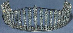 Queen Alexandrine's Fringe Tiara https://se.pinterest.com/lovebooksabove/queen-alexandrines-fringe-tiara/