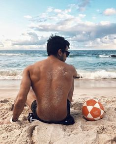 Thinking about what pose should you try next on the beach? Thus, we have these amazing Symbolic Beach Photography Poses for Men.