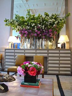 Private Clients' Floral Art Gallery by NYC Floral Artist Oscar Mora Flower Vases, Flower Art, Hotel Flower Arrangements, Hotel Flowers, Corporate Flowers, Arte Floral, Floral Wall, Bridal Flowers, Floral Flowers