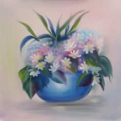 Want to know how to paint a cluster of flowers without painting each and every one? Gill Adlington tackles this beautiful composition using the wet-in-wet oils method. Guaranteed stress-free painting! Coming to ArtTutor.com in August