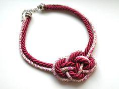 Naszyjnik-węzeł-Crimson - Bajobongo - Naszyjniki średnie