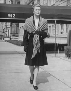 Shawls: The newest fashion accessory of 1940 - photo by Alfred Eisenstaedt