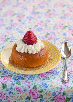 """""""I used a Savarin recipe from the book Ladurée Sucreé. It consists of a buttery cake soaked with rum citrus syrup and decorated with whipped cream and a fresh fruit. I enjoyed this classic dessert chilled with a fresh strawberry and I loved it! Cupcakes, Cupcake Cakes, Mini Cakes, Puff And Pie, Sweetened Whipped Cream, Classic Desserts, French Desserts, Savarin, Baking And Pastry"""
