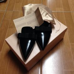 New Prada Lthr Point Toe Bow Ballet Flats A grosgrain bow trims this point toe leather essential. Leather lining and sole. Padded insole. Made in Italy. BRAND NEW NEVER WORN. I can offer lower price if you pay directly with paypal. The fees on posh are very high. NO RETURNS Prada Shoes Flats & Loafers