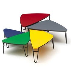 Petalo designed by Charlotte Perriand - still in production by Cassina. Find all other century design classics at Charlotte Perriand, Le Corbusier, Round Glass Coffee Table, Coffee Table Design, Coffee Tables, Glass Tables, Classic Furniture, Mid Century Modern Furniture, Table Furniture
