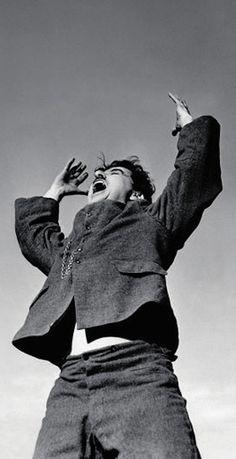 """""""La risa es un tónico, un alivio, un respiro que permite apaciguar el dolor"""" (Charles Chaplin)"""