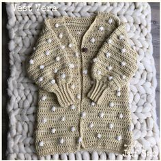 VERA After many beautiful days it is again vests today and I love wearing this vest. Vest Vera is c Crochet Scarves, Crochet Clothes, Knitting Videos, Mustard Yellow, Free Crochet, What To Wear, Crochet Patterns, Fashion Design, Beautiful Days