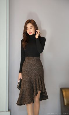 Metallic Wool Blend Asymmetrical Hem Skirt - Korean Women's Fashion Shopping Mall, Styleonme. N Informations About Metallic Wool Blend Asymmetr - Classy Outfits, Trendy Outfits, Look Street Style, Corporate Attire, Spring Fashion Trends, Korean Women, Mode Style, Skirt Outfits, Korean Fashion