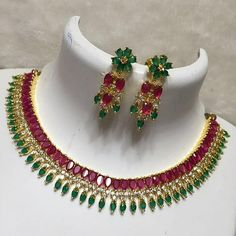 Businesses catering to the Hip Hop industry are on the rise, India Jewelry, Emerald Jewelry, Gold Jewelry, Jewlery, Stylish Jewelry, Jewelry Sets, Fashion Jewelry, Pakistani Jewelry, Bollywood Jewelry