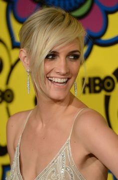 Ashlee Simpson Short Blonde Hairstyle with Long Bangs - Hairstyles Weekly Short Bangs, Short Blonde, Short Hair Cuts, Blonde Hair, Short Hair Styles, Latest Short Hairstyles, 2015 Hairstyles, Trending Hairstyles, Cute Hairstyles
