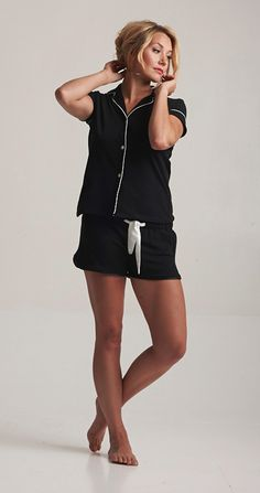 These shorts are just cool. The contrast bow is really feminine. The cut is flattering. You're not trying hard at all. Which is always a good look, whatever the season. http://www.bluemarmaladelondon.com/shop/bottoms/blue-marmalade-classic-shorts/