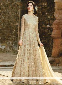 Buy a wide range of Party Wear Anarkali Suits Online Shopping, Anarkali dresses, designer anarkali salwar kameez. Pakistani Wedding Outfits, Pakistani Dresses, Indian Outfits, Nikkah Dress, Abaya Fashion, Indian Fashion, Fashion Dresses, Fashion Usa, Couture Fashion