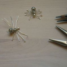 How to make your own spider charms from wire!