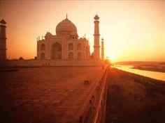 "A R Rahman - Mumbai theme Tune => SOURCE: @Bendrix ""Eastern Chill Music .ME"" Board via."