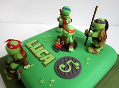 Teenage Mutant Ninja Turtle (TMNT) Cake - It is a 10 inch round cake with 4 layers and homemade MMF. Description from pinterest.com. I searched for this on bing.com/images