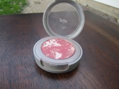 Pur Minerals blush. Lightly used. $7 or swap