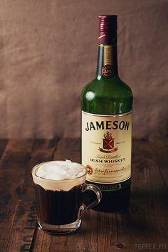 Irish Coffee with Jameson's Irish Whiskey - Caifé Gaelach Tequila, Bandeja Bar, Cheers, Jameson Irish Whiskey, Scotch Whiskey, Coffee Today, Morning Coffee, Irish Coffee, Coffee Cafe
