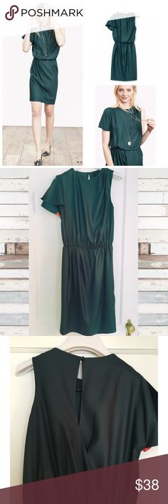 BR Monogram green dress -- size 2 Banana Republic Green Monogram One-shoulder Dress from fall/winter 2015. Such a beautiful and classic dress! Worn once -- excellent condition! Banana Republic Dresses