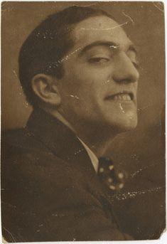 Almada Negreiros, Lisboa, 1913 Henri De Toulouse Lautrec, Gustav Klimt, History Of Portugal, Sculpture, Vintage Pictures, Beautiful Creatures, Art Forms, 1970s, Sketches