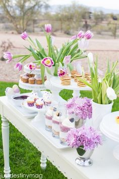 Childrens Easter Party Ideas : A gorgeous and cheery set up Easter Brunch, Easter Party, Brunch Mesa, Brunch Decor, Brunch Party, Festa Party, Spring Party, Easter Celebration, Easter Table