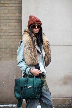 So cool it hurts: New York Fashion Week street style - Winter Street Style Fashion Moda, Star Fashion, Trendy Fashion, Womens Fashion, Fashion Trends, Paris Fashion, Fashion Fashion, Fashion Pants, Toronto Fashion Week