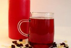 Well, it's actually not mulled wine at all, it's a juice drink. However, the aroma is almost intoxicating and the spices are Christmas-themed. Best Mulled Wine Recipe, Non Alcoholic Mulled Wine, Candle Lamp, Candles, Juice Drinks, Us Foods, Christmas Themes, Beverages, Spices