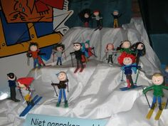 Paperdoll skiers with photos of the kids' faces. Toddler Crafts, Crafts For Kids, Arts And Crafts, Kids Daycare, First Snow, Winter Olympics, Art Plastique, Winter Sports, Art Education