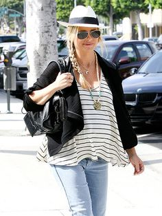 Pregnant Sarah Michelle Gellar goes for California cool in a swing tank, fedora, and aviators