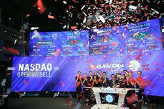 Confetti explosion for Qantas!