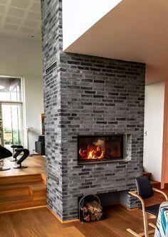Interiør :: Bygform Fireplaces, Home Decor, Fireplace Set, Fire Places, Decoration Home, Room Decor, Fireplace Mantel, Fireplace Hearth, Mantles