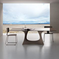 Lovely minimalist space by Roberti // Coral Reef - Table #minimalist #space