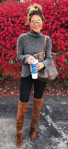 Street style | Turtle neck grey sweater with over the knee boots