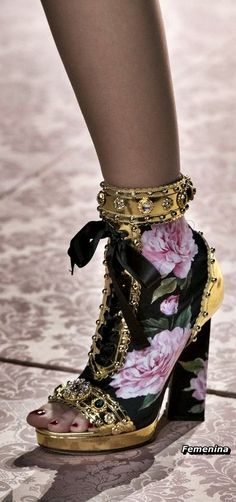 Dolce & Gabbana Spring/Summer 2019 -Boots - All About Dolce & Gabbana, Pretty Shoes, Beautiful Shoes, Crazy Shoes, Me Too Shoes, Mode Shoes, Mode Style, Designer Shoes, Shoe Boots