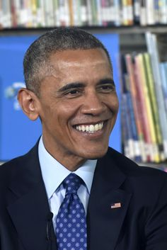 Obama Launches E-Book Initiative For Low-Income Students