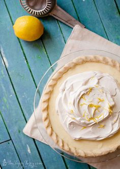the most delicious pie ever, this sour cream lemon pie is creamy and tart with an amazing texture and flavor pies pies recipes dekorieren rezepte Sour Cream Lemon Pie Recipe, Cream Pie Recipes, Lemon Recipes, Tart Recipes, Sweet Recipes, Pie Dessert, Dessert Recipes, Just Desserts, Delicious Desserts