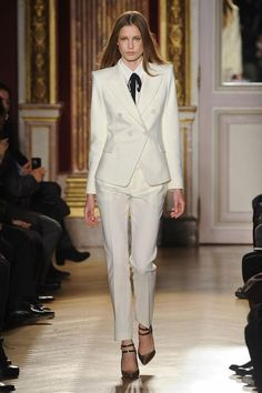 You will become such a outstanding man with custom fashion ivory women tuxedos suits for women peaked lapel double breasted women suits wool blend two piece suit (jacket+pants+tie) offered by anniesbridal. Besides, DHgate.com also provide formal for men formal suit for men and groomsmen tux.