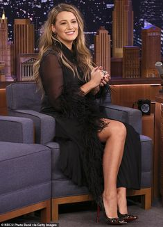 Blake Lively Tells Jimmy Fallon That He's Her Daughter James' Beyonce - Watch Here!: Photo Blake Lively gave Jimmy Fallon some pretty adorable news about her oldest daughter while stopping by The Tonight Show on Wednesday night (January The Jimmy Fallon, Celebrity Photos, Celebrity Style, Blake Lovely, Beach Blonde Hair, Blake Lively Ryan Reynolds, Blake Lively Style, Blake Lively Dress, Oval Face Hairstyles
