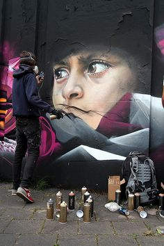 Adnate is an artist that realizes his portraits in spray paint. He has moved past his roots in graffiti, utilizing the medium to carry his realist style into the fine art realm. Urban Street Art, 3d Street Art, Street Art Graffiti, Street Artists, Amazing Street Art, Amazing Art, L'art Du Portrait, Mural Art, Public Art