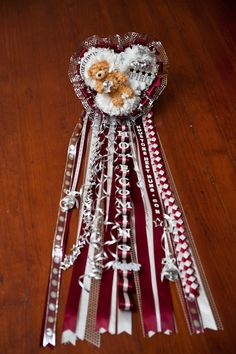 Homecoming Mum- so i think i want to make my own mum this year lol ..