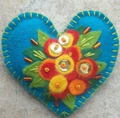 Valentine's Day Beaded Felt Heart Brooch Embroidered por veronkaa, $14.00