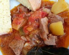 Tocanita de porc cu legume Cornbread, Carne, Mashed Potatoes, Ethnic Recipes, Pork, Millet Bread, Whipped Potatoes, Smash Potatoes, Corn Bread