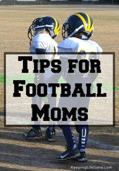 football mom Tips for Football Moms - Keeping Life Sane Team Mom Football, Football Pads, Football Season, Football Players, Football Info, Football Workouts, Rangers Football, Football Stuff, Youth Football Gear