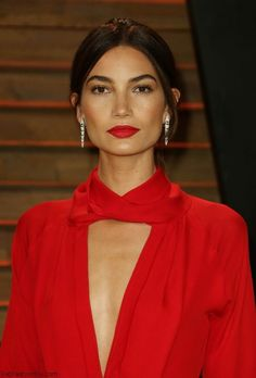 Lily Aldridge in Juan Carlos Obando dress, Bulgari jewels and Jimmy Choo clutch – 2014 Oscars Vanity Fair After-Party Beauty Tips For Teens, Beauty Tips For Face, Beauty Hacks, Beauty Makeup, Hair Makeup, Hair Beauty, Lilly Aldridge, Perfect Red Lips, Evening Makeup