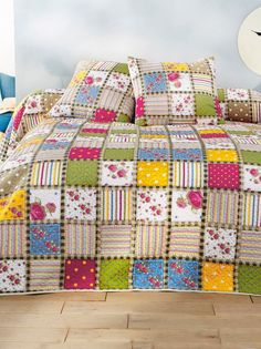 Quilts, Blanket, Bed, Jeans, Crafts, Home, Beautiful Curtains, Scraps Quilt, Bedspreads
